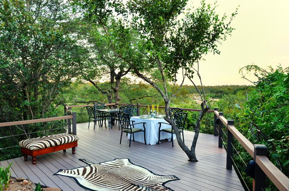 Lunch can be enjoyed on the spectacular Greenfire Game Lodge viewing deck.